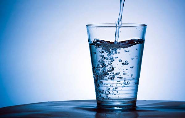 Imagem via: http://vividtimes.com/top-7-myths-about-drinking-water-busted/