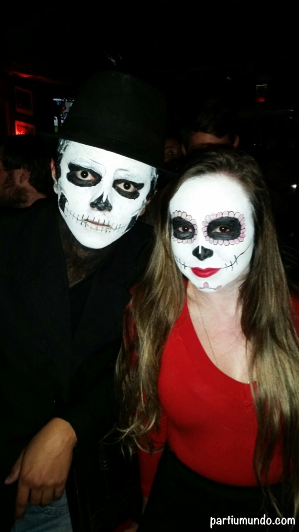 pub crawl halloween 1
