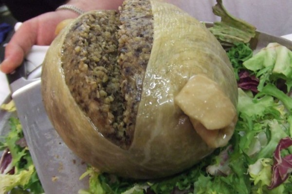 Via: http://www.yorkesofdundee.co.uk/products-page/haggis-puddings/big-chieftain-haggis-1kg/