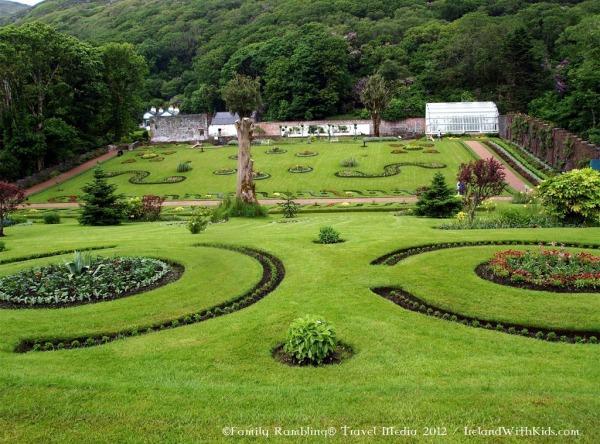 Victorian Walled Garden bu http://irelandfamilyvacations.com/kylemore-abbey-walled-garden/attractions/waw/